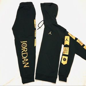Men Jordan Hoodie and Joggers Bundle Sz SM
